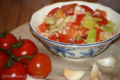 Pikáns paradicsom-paprika saláta